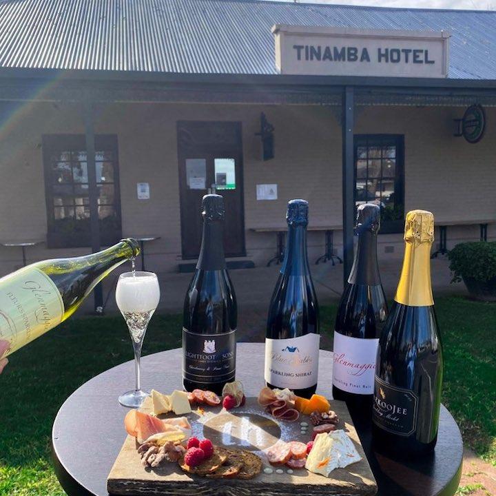 Tinamba Hotel - Bubbles